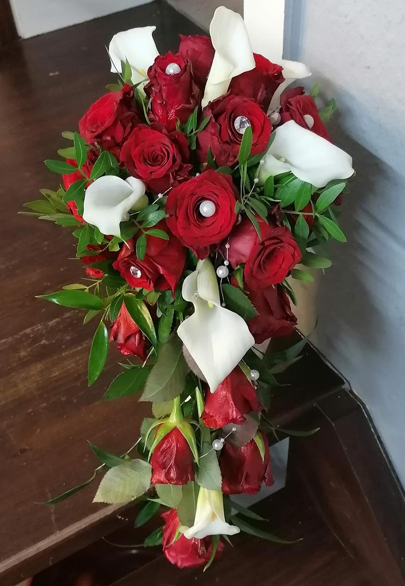 Blumen rote Rosen Perlen