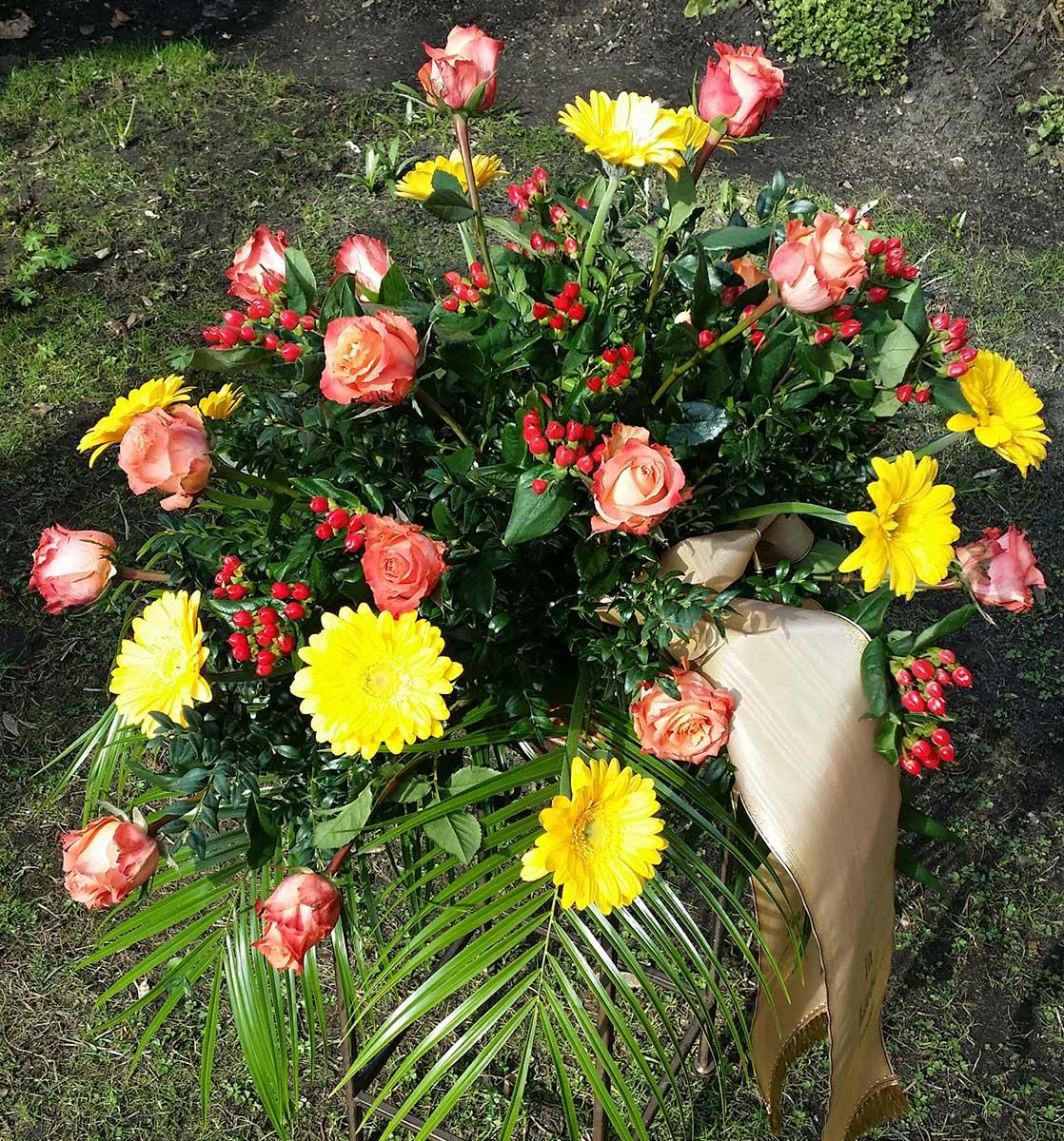 Grabschmuck Beisetzung Blumenvase