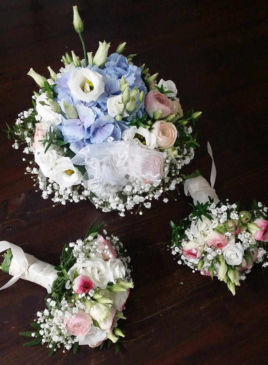 Hochzeit Brautstrauss Brautjungfern Blumen