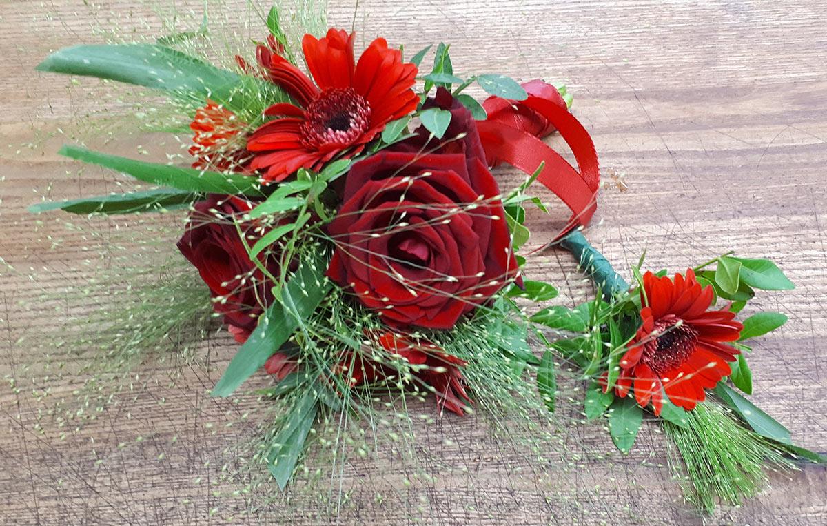 Hochzeitsblumen Brautstrauss rote Rosen