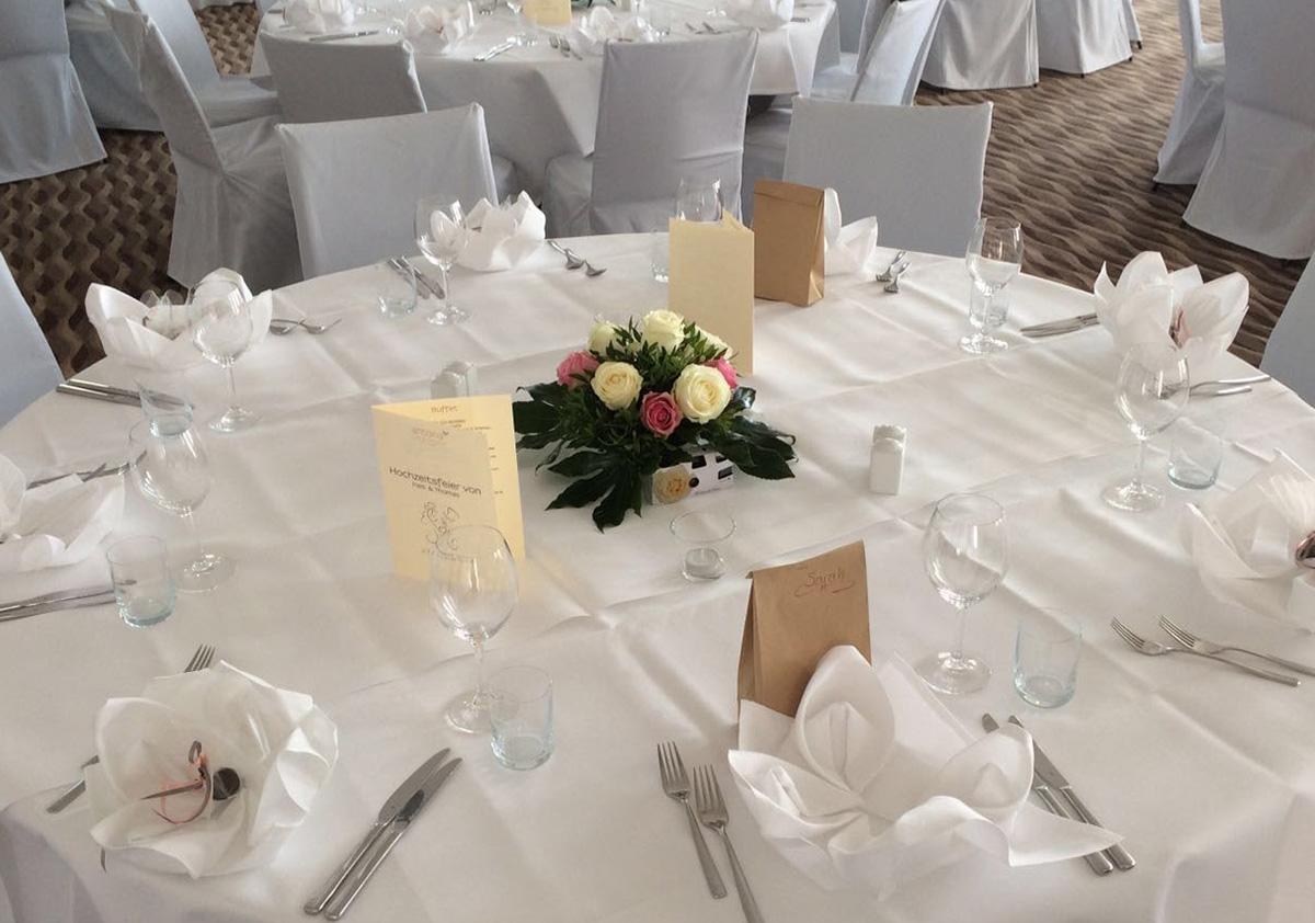 Hochzeitsdekoration Tischdeko Rosen Gesteck