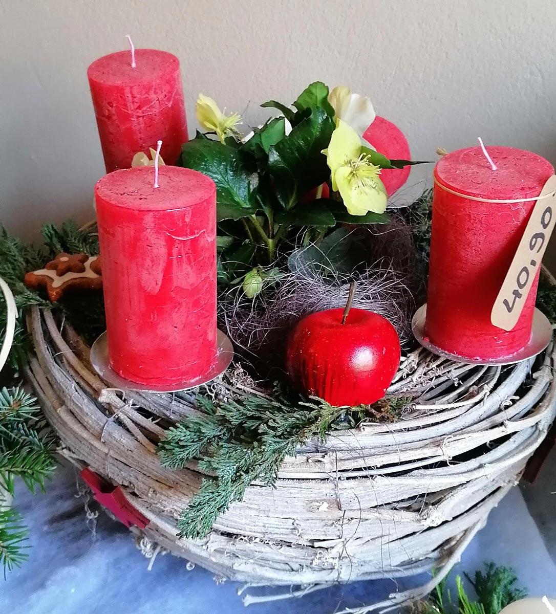 Koerbchen Kerzen Weihnacht Dekoration