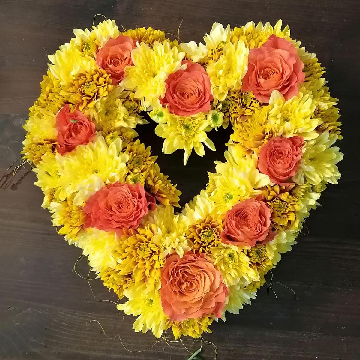 Trauerfloristik gelb Blumenherz