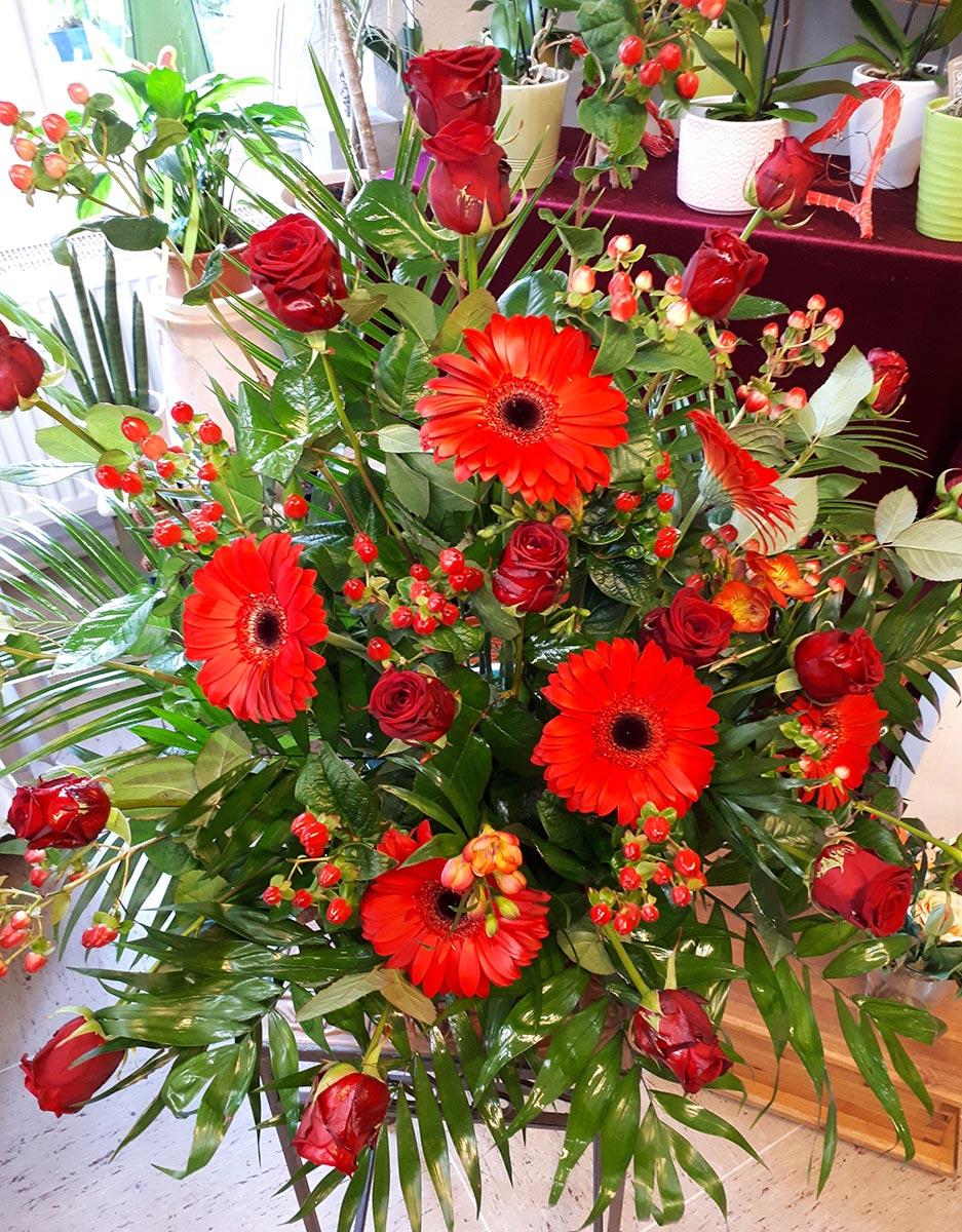 rote-Rosen Gerbera Blumen Strauss